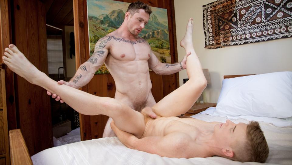 Ha un segreto (video porno gay #71284)