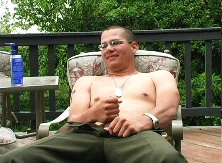*Video:horny man masturbates for camera & comes a lot
