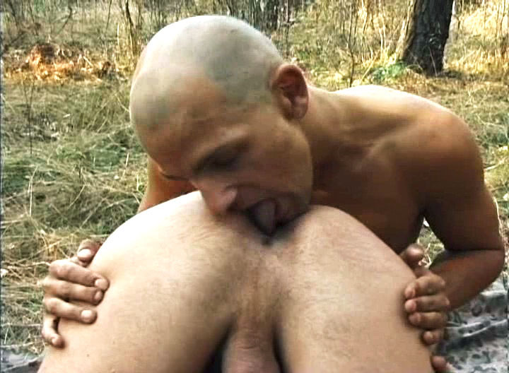 *Video:two men start to fuck each other & have fun outdoors