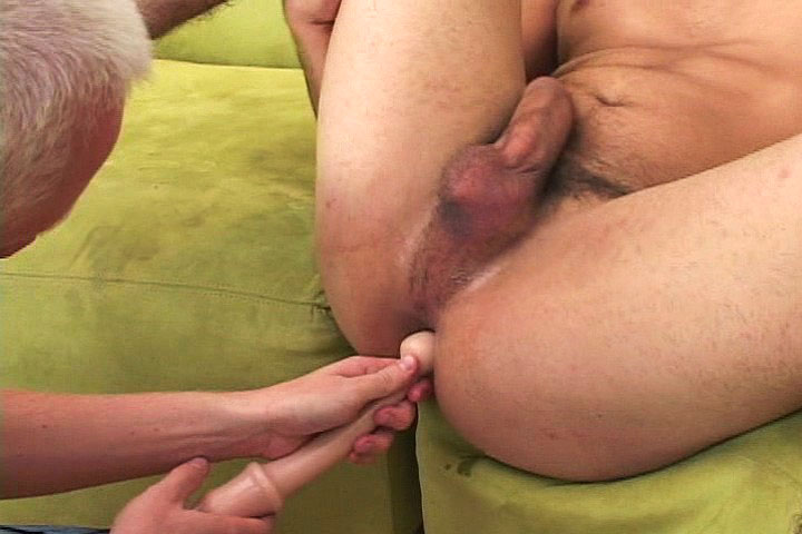 *Video:cute latino dude wanna try anal sex and loves it
