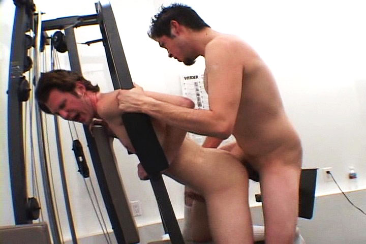 *Video:gay dudes like swallowing hot cum after fucking in gym class