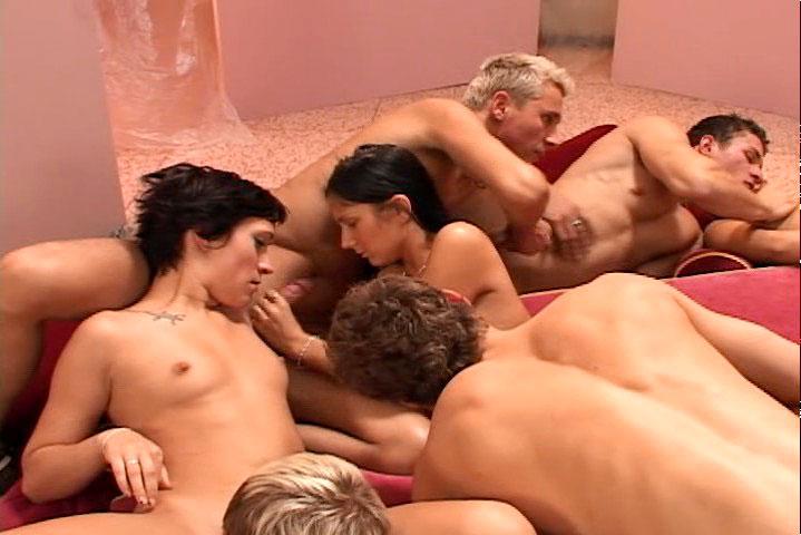 *Video:amazing bi orgy with hot men & slutty bitches