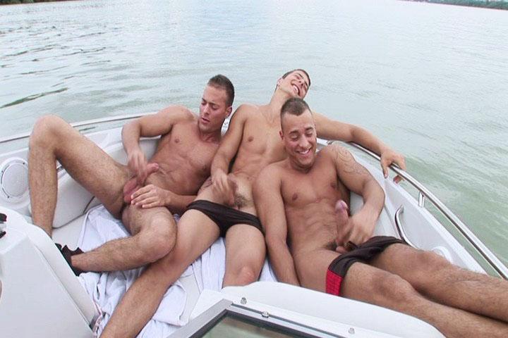 Threesome Solo Boat