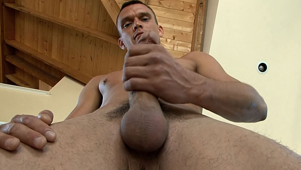 Guy Jacking Off His Stout Rod