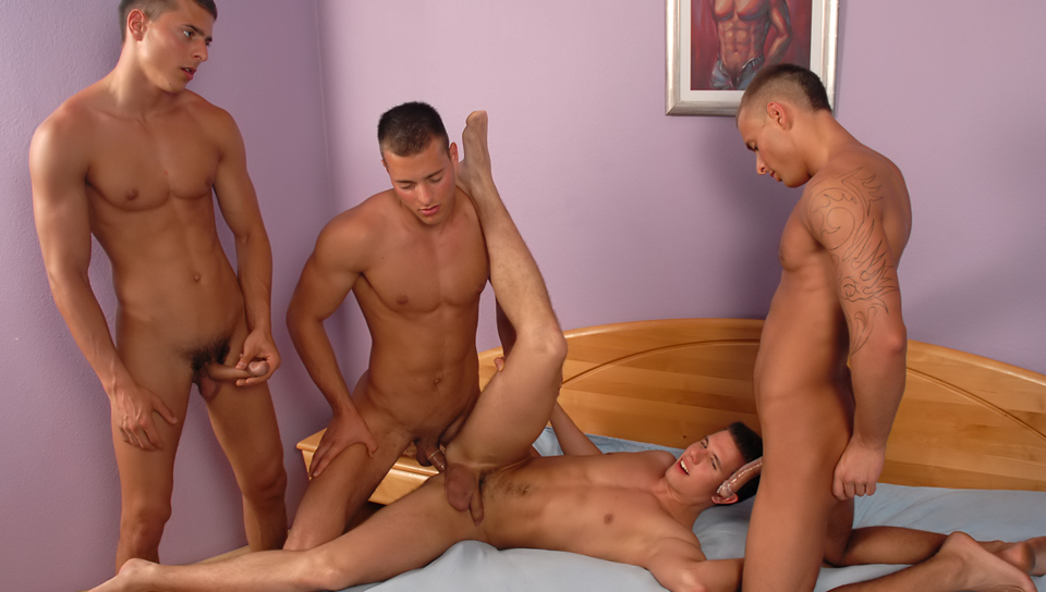 unashamedly BOYTOYS The Gangbang
