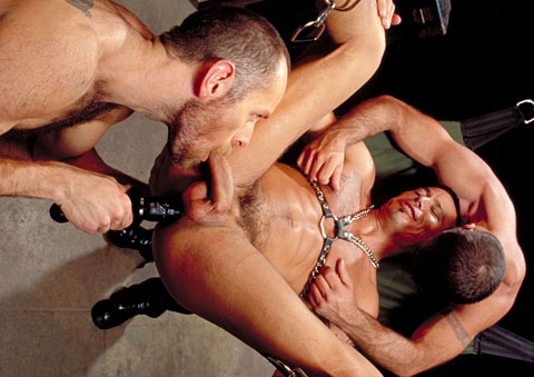 Eddie Moreno gay fisting video from Club Inferno Dungeon