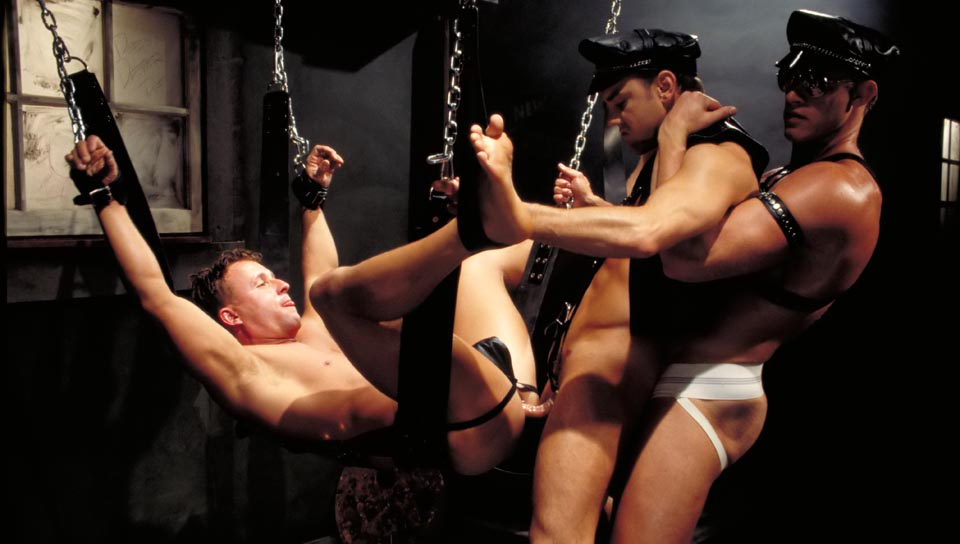 Beau Saxon gay fisting video from Club Inferno Dungeon