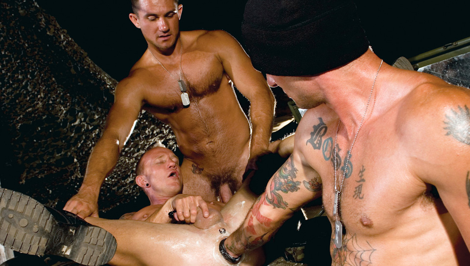Mason Garet, Ricky Sinz, Trey Casteel gay fisting video from Club Inferno Dungeon