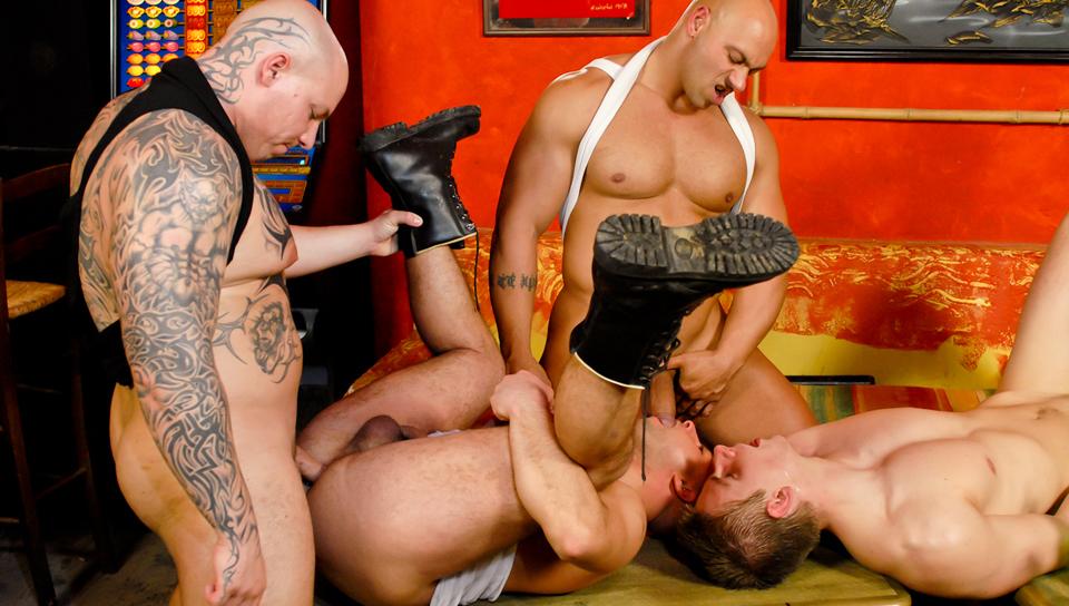 Gay skinhead porn